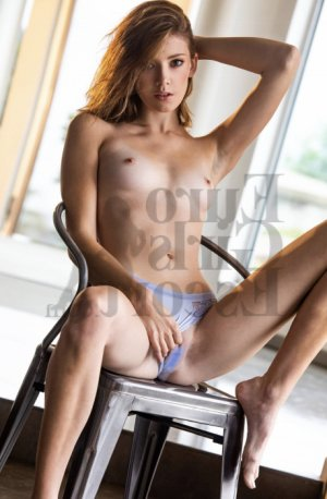 Marie-axelle erotic massage in Provo