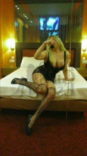 Louena happy ending massage and escort girl