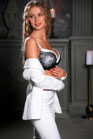 Janessa nuru massage and escort