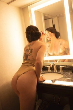 Marylyn nuru massage in Chowchilla, escorts